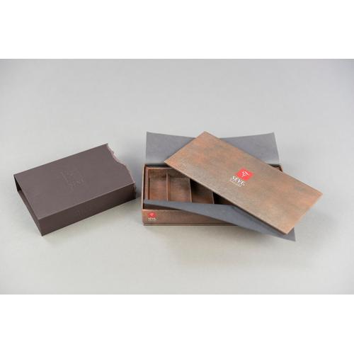 Boîte rigide sur-mesure personnalisée