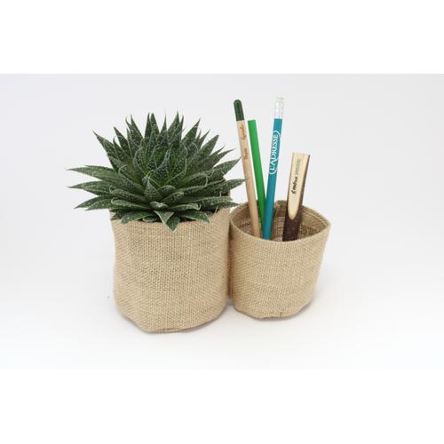 Pots à crayons avec plante en jute