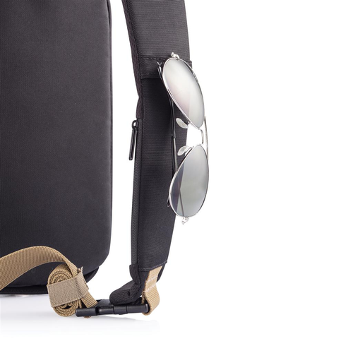 Sac bandoulière Bobby Sling en RPET, avec poche anti RFID